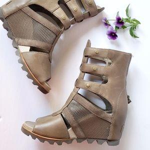 *NEW*  SOREL Joanie Gladiator Leather Wedge